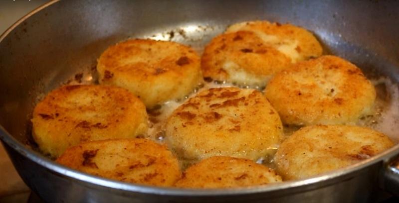 Картофельные котлеты из оставшегося пюре рецепт